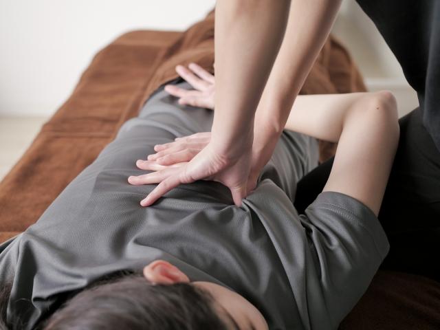 腰の施術-2